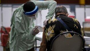 Se inició vacunación de extranjeros mayores de 70 años residentes en Perú