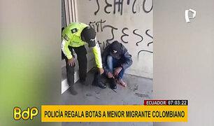 Ecuador: Policía conmueve en redes al obsequiar sus propias botas a migrante colombiano