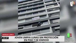 Miraflores: multan a dueña de departamento por hombre que limpiaba sus ventanas sin arnés