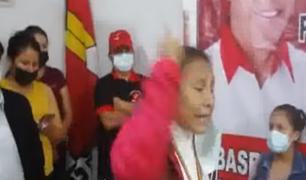 Huánuco: simpatizantes de Perú Libre increpan a virtual congresista Bermejo por inaugurar local