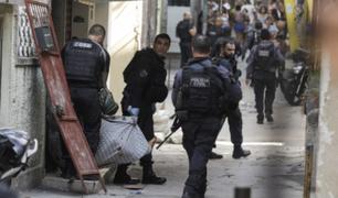 Más de 25 muertos dejó operativo contra narcotráfico en favela de Brasil
