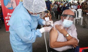 Covid-19: hoy se retomó vacunación de adultos mayores de 70 años en Lima y Callao