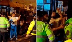 Surco: intervienen sujetos que bebían licor en plena calle durante toque de queda