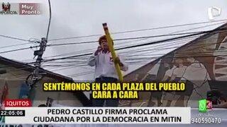 Pedro Castillo firmó durante mitin en Iquitos 'Juramento por la democracia'