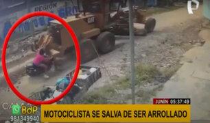 Junín: motociclista salvó de morir atropellado por maquinaria pesada
