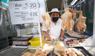 Mercados mayoristas: sube el precio del pollo tras alza del dólar en últimas semanas