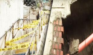 Escalera a punto de colapsar: Vecinos denuncian que municipio de VES no les da ninguna solución