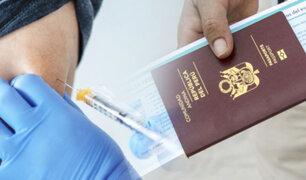 Cientos de peruanos viajan a EEUU para vacunarse contra la COVID-19