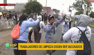 Trabajadores de limpieza de Eslimp Callao protestan por ser excluidos de la vacunación