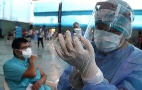 """OMS, OMC, FMI y Banco Mundial llaman a líderes a asumir """"nuevo compromiso"""" por equidad en vacunas"""