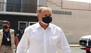 Alcalde Muñoz cuestionó intento de priorizar vacunación de los jugadores de fútbol