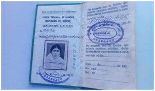 Junín: nonagenaria acudió a vacunarse con su carné de sanidad de 1954