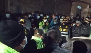 Puno: pobladores golpean e intentan quemar a dos presuntos delincuentes