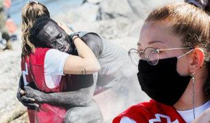 Voluntaria de Cruz Roja que consoló a un migrante cerró sus redes sociales ante insultos racistas
