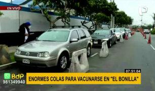 Vacuna Covid-19: Largas colas de autos para ingresar al Complejo Deportivo Manuel Bonilla