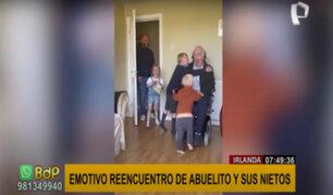 ¡Conmovedor! Abuelito en silla de ruedas se reencuentra con nietos después de 7 meses