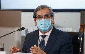 Ministro Óscar Ugarte aseguró que marchas perjudican el proceso de vacunación en el país