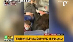 ¡Mal ejemplo! Mujer protagoniza pelea en avión por no usar bien la mascarilla