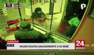 Mujer golpea salvajemente a su bebé en Huancayo