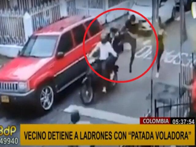 """Hombre detiene a ladrones que escapaban en moto con """"patada voladora"""""""