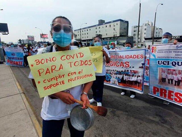 San Borja: enfermeras del INSN realizan plantón exigiendo pago de bonos Covid-19