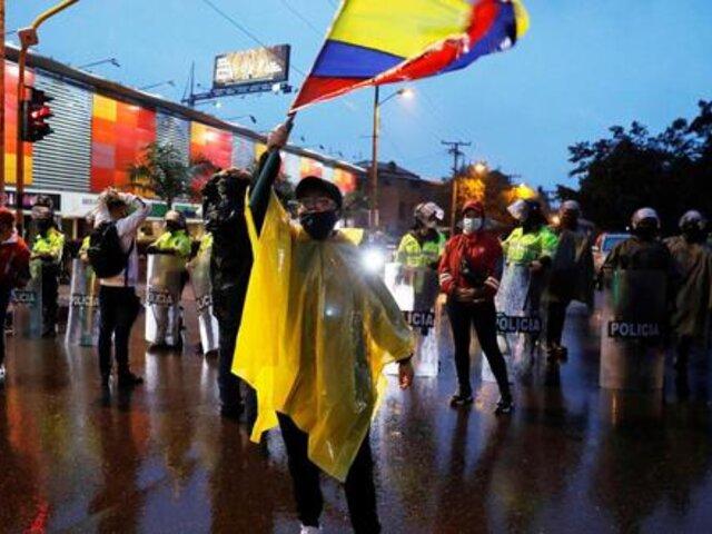 Colombia: 19 muertos y más de 800 heridos en protestas contra la reforma tributaria
