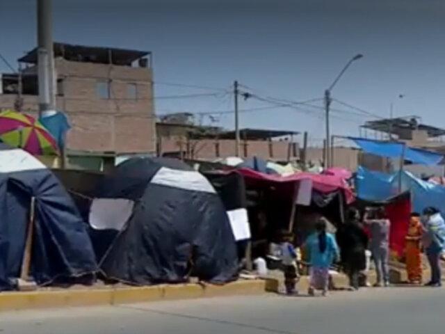 VES: invasores desalojados de Lomo de Corvina continúan acampando en las calles