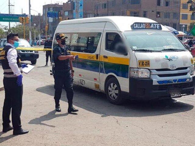 Callao: hombre  es asesinado a balazos al  interior de una combi repleta de pasajeros