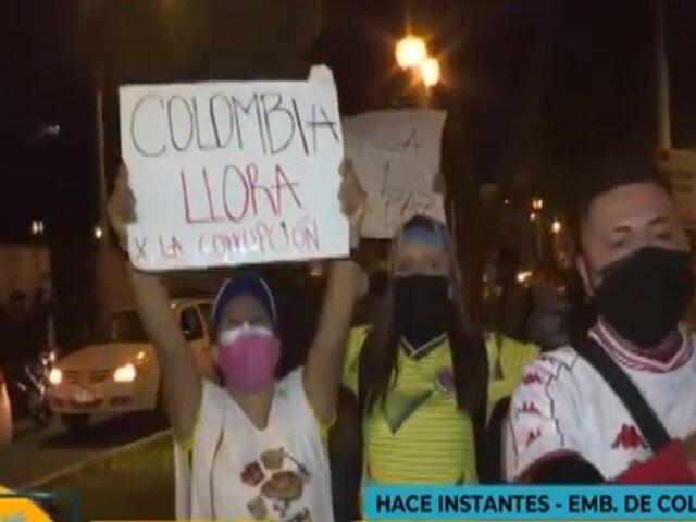 Colombianos residentes en Lima realizan plantón contra gobierno de Duque