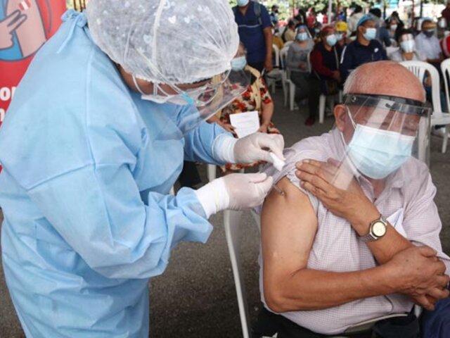 Covid-19: hoy se retoma vacunación de adultos mayores de 70 años en Lima y Callao