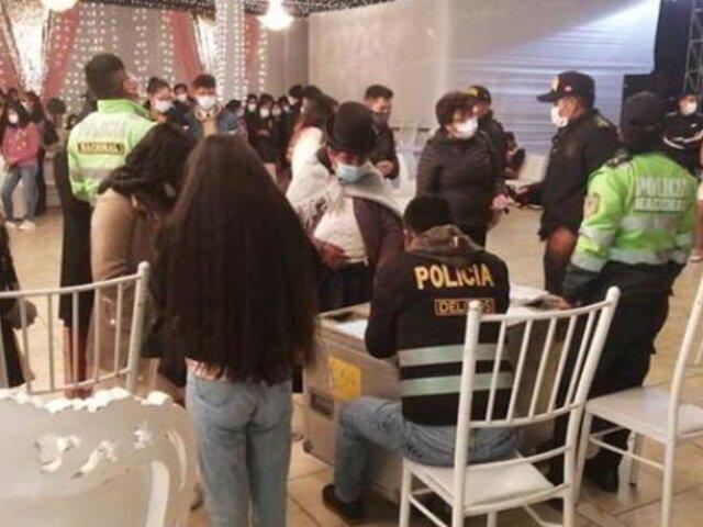 Puno: decenas de jóvenes fueron intervenidos cuando participaban de una fiesta de 15 años