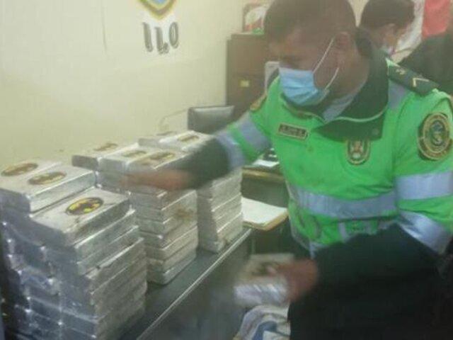 Moquegua: agentes PNP encuentran más de 200 paquetes de droga en vehículo abandonado