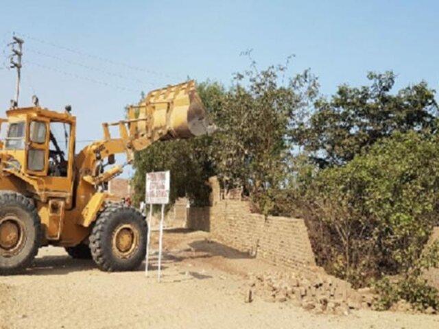 La Libertad: retiran a decenas de invasores del complejo arqueológico Cerro Blanco y Cerro Chico