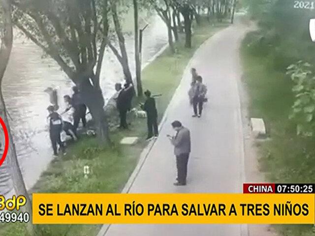 China: transeúntes salvan a tres niños que cayeron al río por accidente