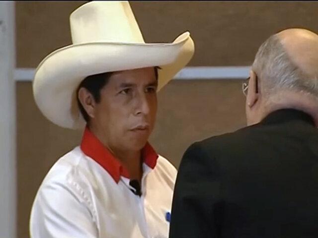 """Pedro Castillo firma Proclama Ciudadana: """"Hago este juramento de todo corazón"""""""