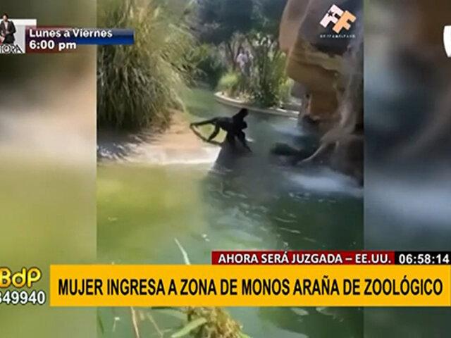 ¡Insólito! mujer ingresó a jaula de zoológico para darle de comer a monos