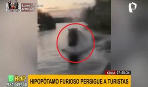 Hipopótamo persigue a toda velocidad a turistas que paseaban en una lancha