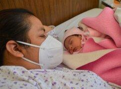 Tacna: salvan la vida de madre gestante internada en UCI por Covid-19