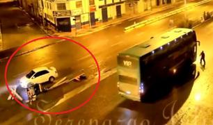 Puno: cámara captó el momento en el que un auto embistió a un triciclo