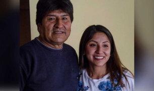 Escándalo en Bolivia: Hija de Evo Morales se vacunó contra la covid-19 antes de tiempo