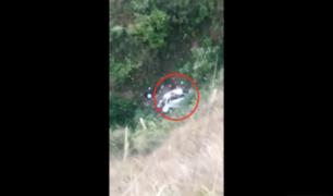 Dos cantantes folklóricos murieron tras caída de minivan a abismo en Huancavelica