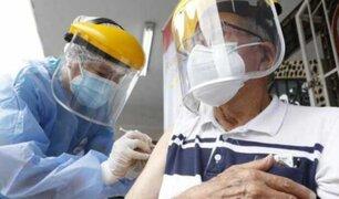 """Viceministro de Salud señala que se ha dejado plan de vacunación """"estemos o no"""""""