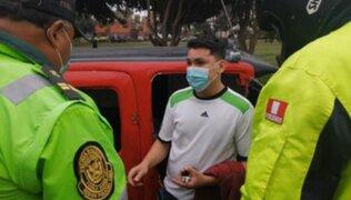 Surco: mototaxista informal volcó su vehículo en intento por evadir operativo