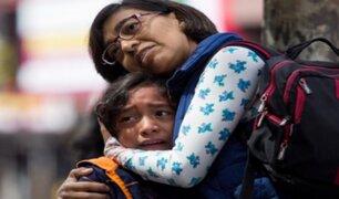 ¿Cómo pueden los padres calmar a sus niños durante un sismo?