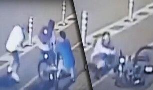 Delincuentes asaltan violentamente a ciclistas en Chorrillos