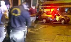 Hombre es atacado a balazos en La Victoria