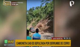 San Martín: impactantes imágenes muestran un derrumbe que casi aplasta camioneta