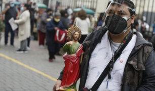 Centro de Lima: fieles hacen largas colas para venerar la imagen de San Judas Tadeo