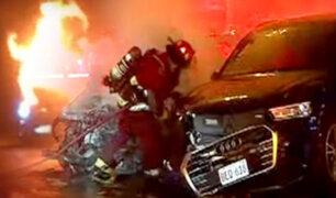 Dos vehículos se incendiaron tras fuerte choque en el Rímac