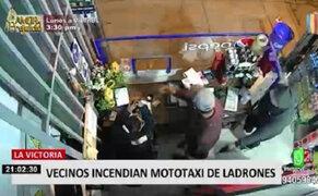 Queman mototaxi de delincuente que asaltó minimarket en La Victoria